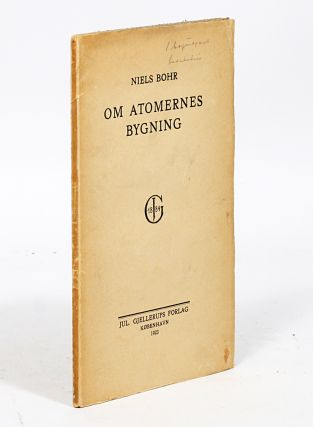 Om Atomernes Bygning [On the Structure of Atoms]